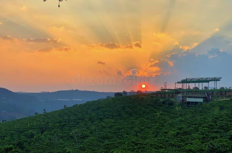 在大叻市的日落 免版税库存照片
