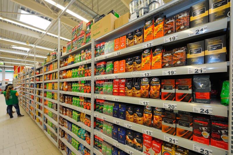 在大型超级市场欧尚的照片 库存照片