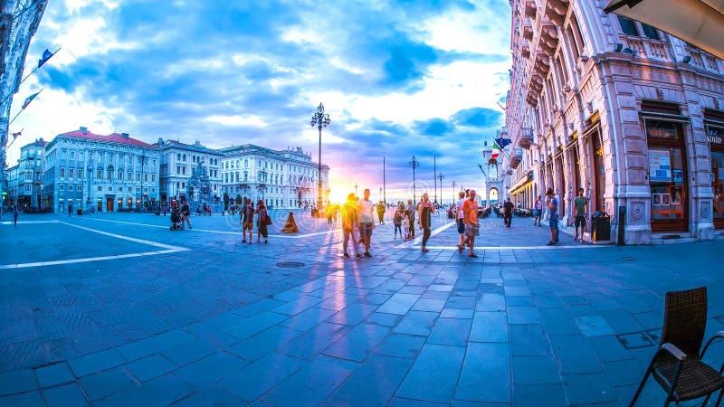 在大广场的看法在的里雅斯特 免版税库存照片