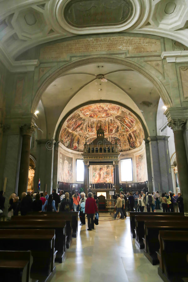 在大教堂里面,罗马 免版税库存图片