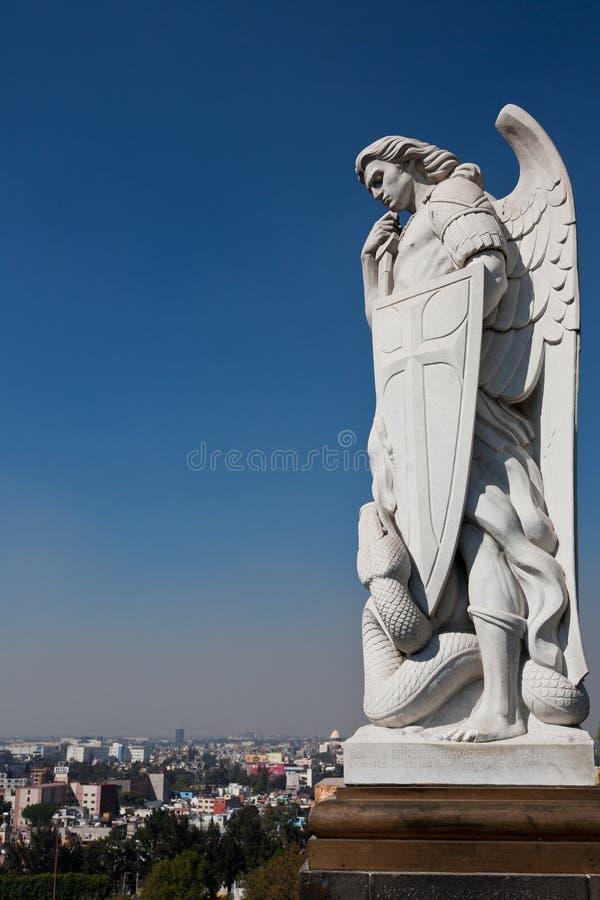在大教堂de瓜达卢佩河的雕象 免版税库存照片