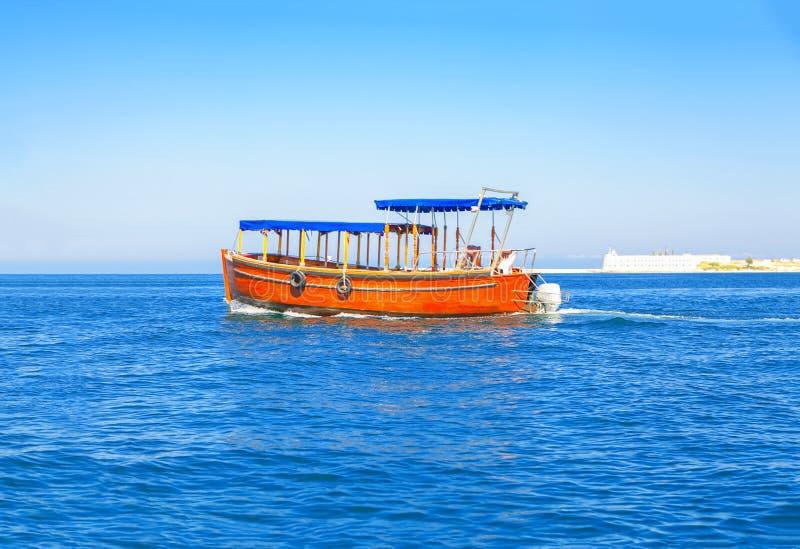 在大海的木小船 图库摄影