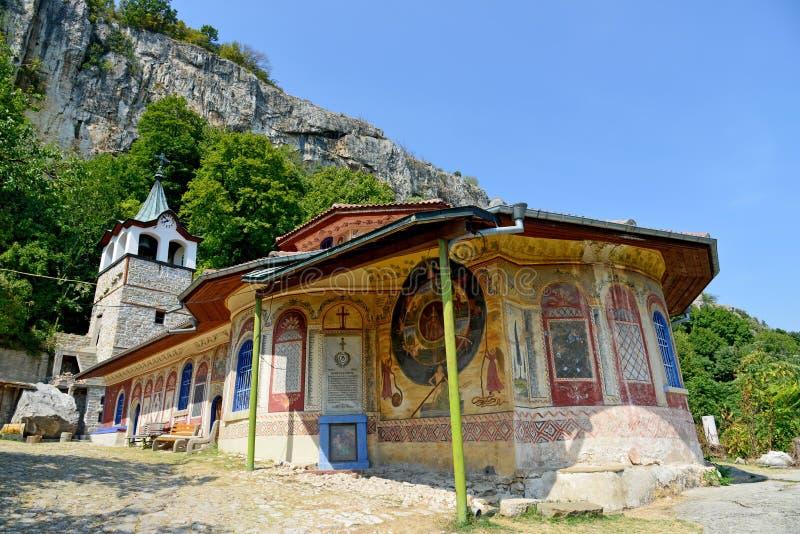 在大特尔诺沃附近的变貌修道院 免版税库存图片