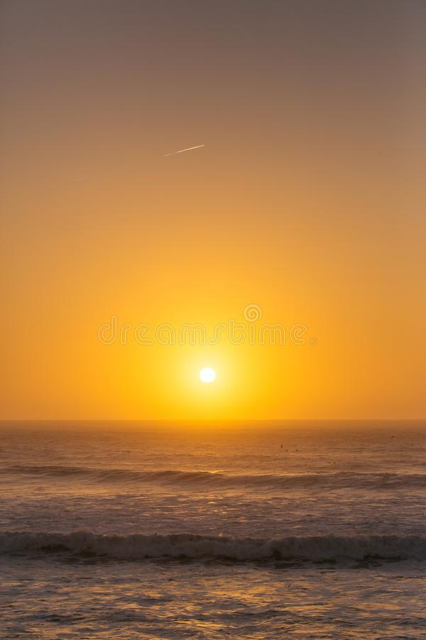在大西洋的美好的日落 库存照片