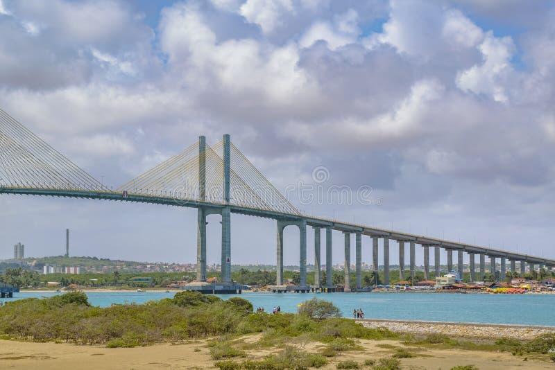 在大西洋新生巴西的大桥梁 免版税库存照片