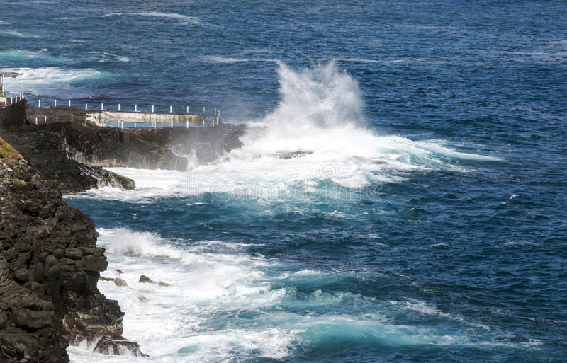 在大西洋的波浪 免版税图库摄影