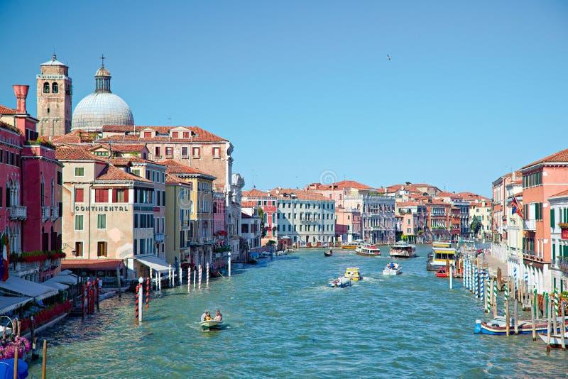 在大运河的看法从Ponte degli Scalzi在威尼斯,意大利 库存照片