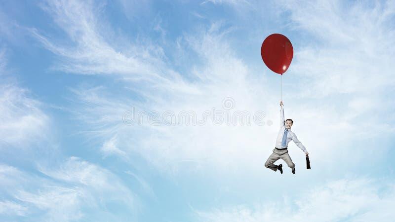 Download 在天空的人飞行 库存图片. 图片 包括有 天空, 艺术性, 机会, 放松, 启发, 事业, 夏天, 概念 - 59105919