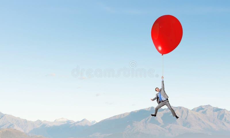 Download 在天空的人飞行 库存图片. 图片 包括有 商业, 放松, 想法, 艺术, 暂挂, 艺术性, 自由, 凹道 - 59106025