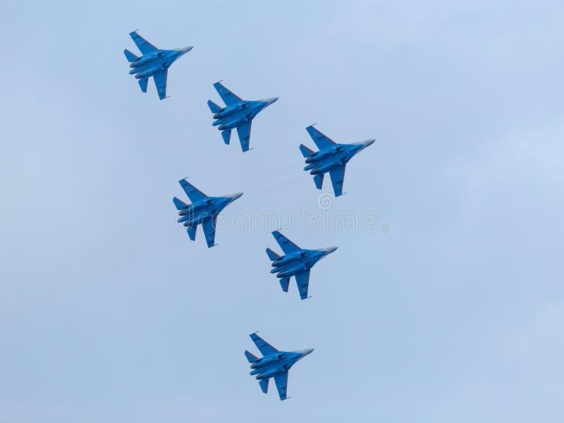 在天空的六架战争喷气机 库存图片