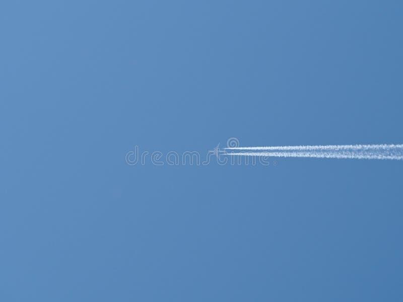 在天空的喷气机 库存图片