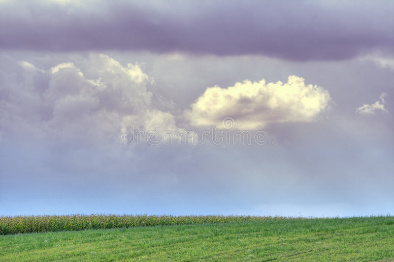 在天空的多云域 库存照片