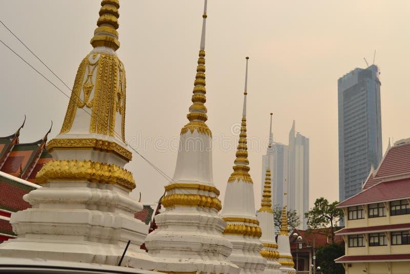在天空的对比,曼谷,泰国 免版税库存图片