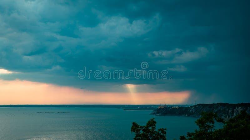 在天空的日落风暴在的里雅斯特 库存照片