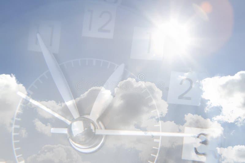 在天空的时钟 免版税库存图片
