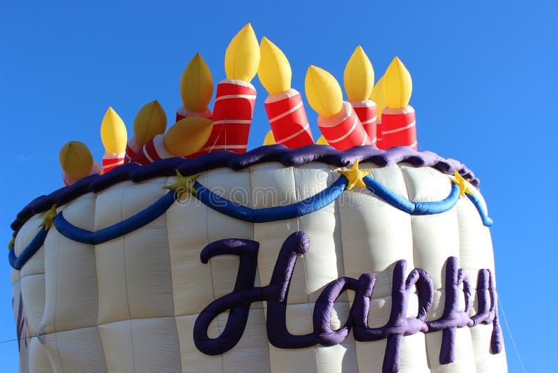 在天空的生日蜡烛 免版税库存照片