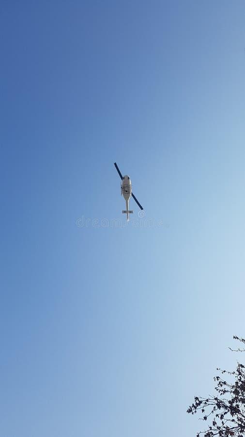 在天空的直升机 库存照片