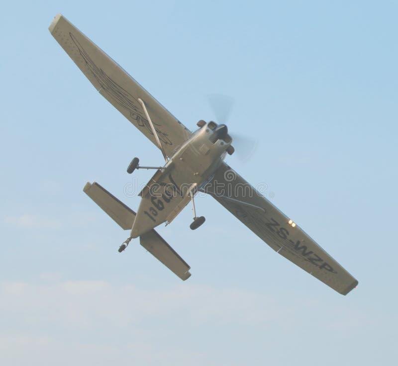 在天以后最后的下落的试验制造的前定点飞越与X328地图集的 图库摄影