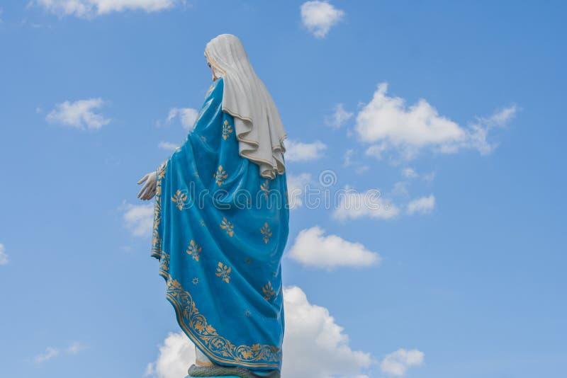 在天主教主教管区前面的保佑的圣母玛丽亚,公共场所在庄他武里 免版税图库摄影