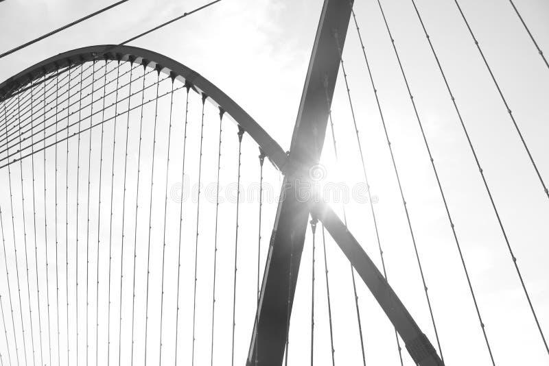 在太阳下的桥梁 库存图片