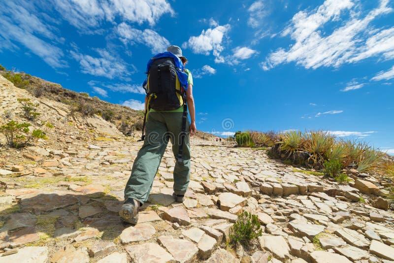 在太阳的海岛, Titicaca湖,玻利维亚上的冒险 免版税库存图片