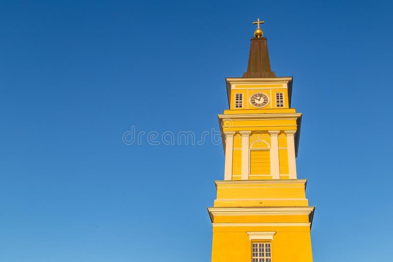 在奥卢附近,在平衡s末期的芬兰的中心的大教堂 图库摄影