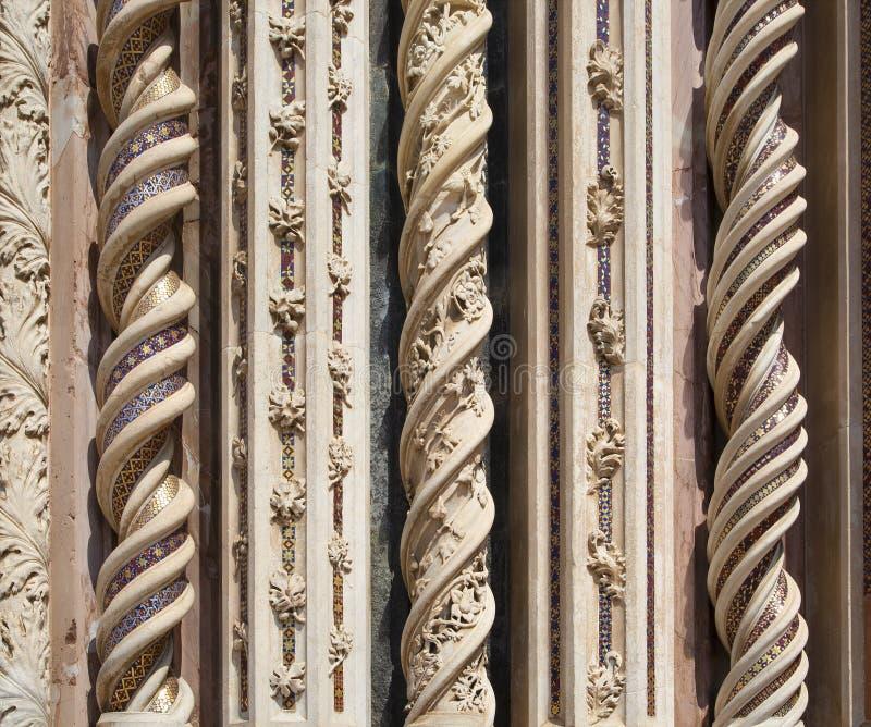 在奥尔维耶托大教堂,意大利外面的精心制作的装饰品 免版税库存图片