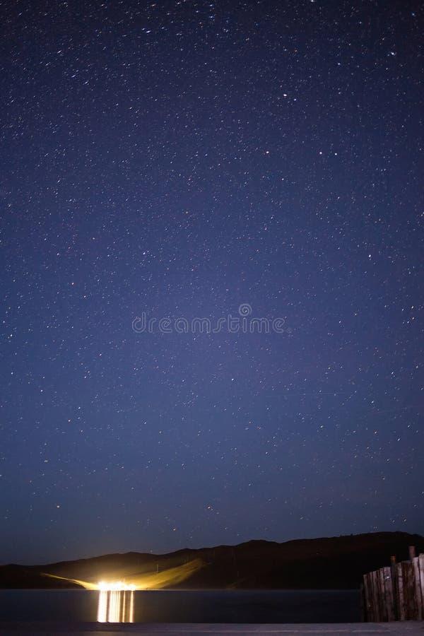 在奥尔洪岛的满天星斗的天空 免版税图库摄影