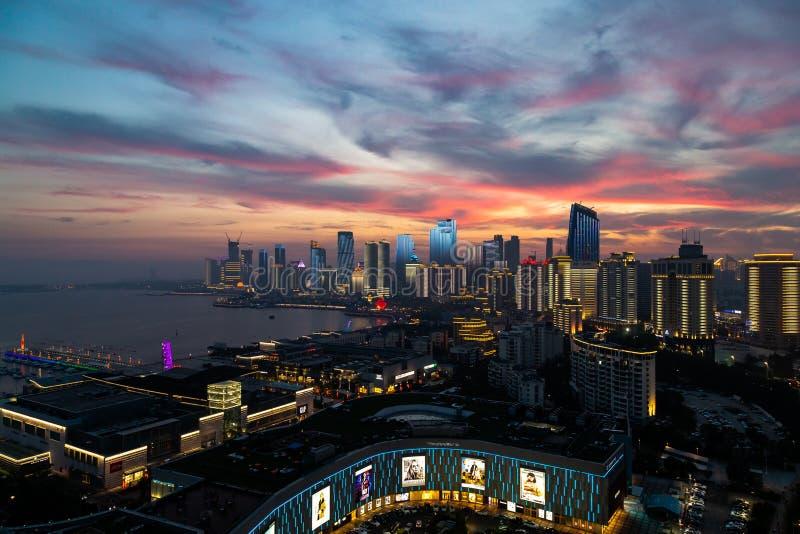 在奥帆中心的2018年6月-青岛,中国-日落 免版税库存图片