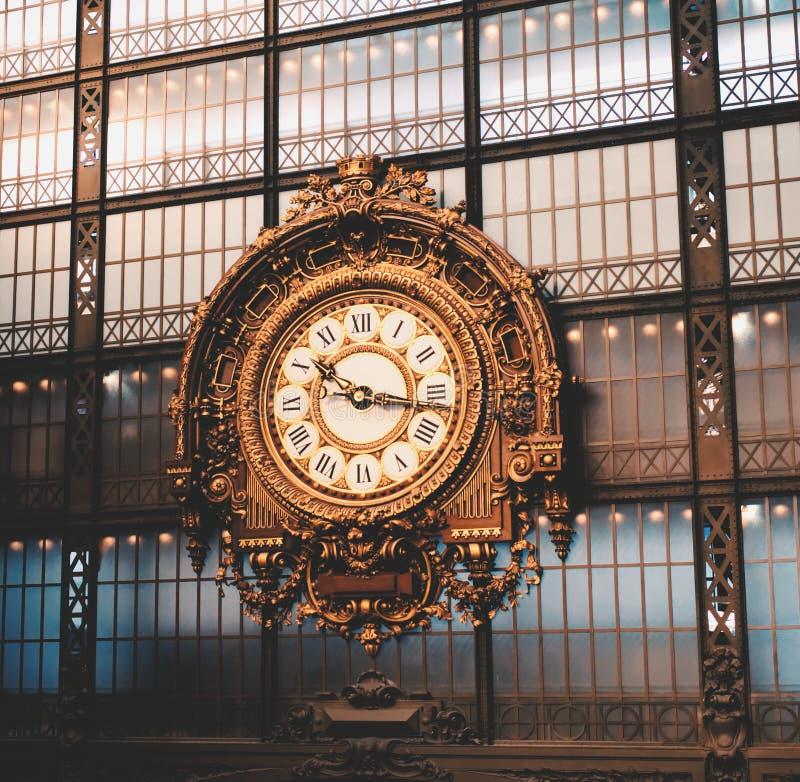 在奥赛博物馆的驻地时钟 免版税库存照片