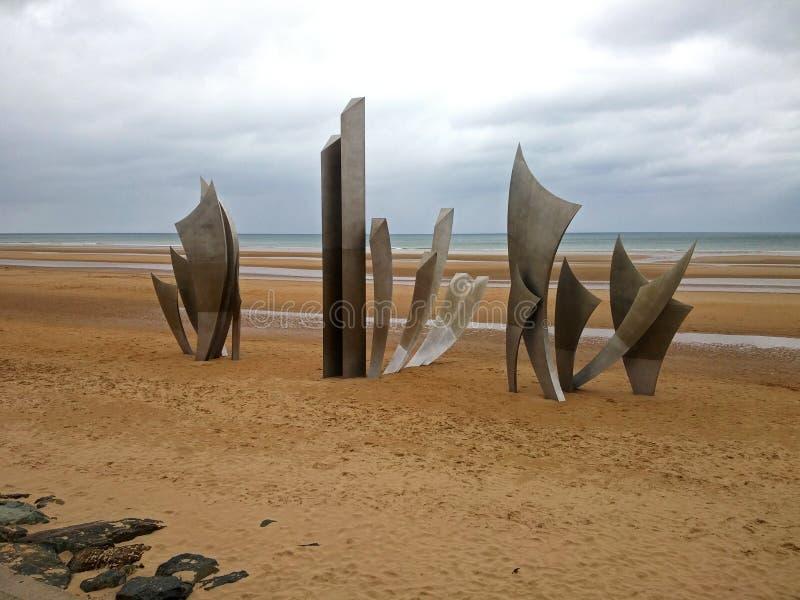 在奥马哈海滩的纪念碑,诺曼底海岸 免版税库存照片