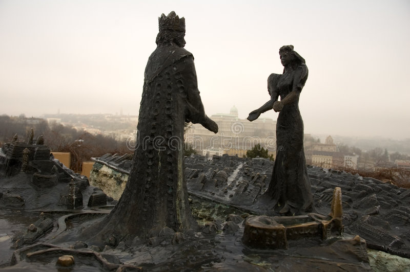 在女王/王后雕象的芽国王 免版税库存照片