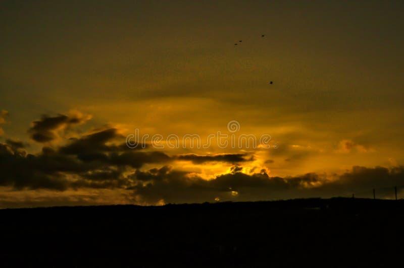 在如毛刷高峰地方储备的日落在利弗摩尔附近 免版税图库摄影
