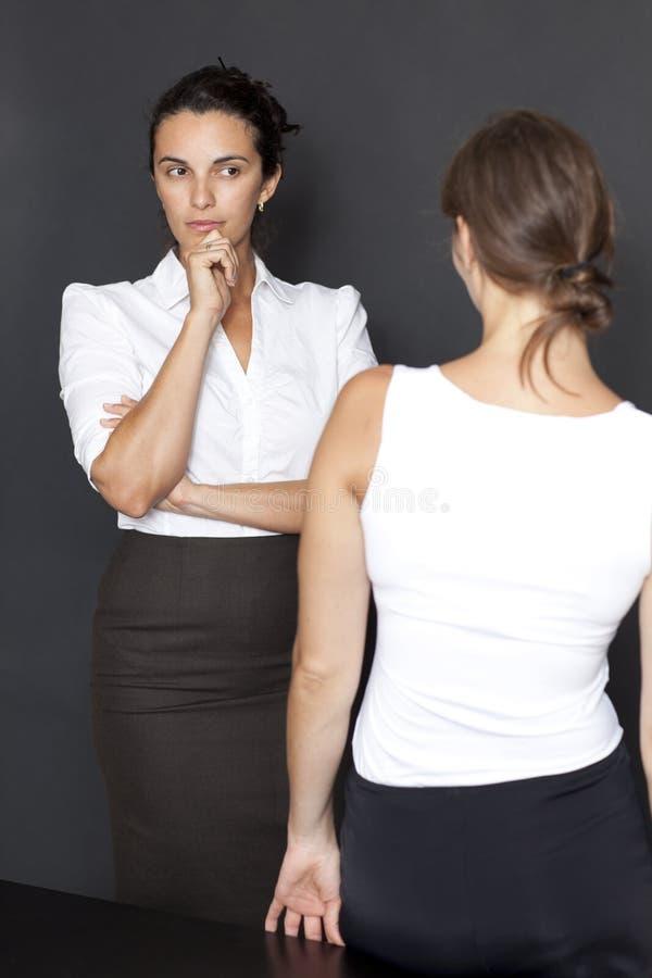 在妇女之间的不信任 免版税库存图片
