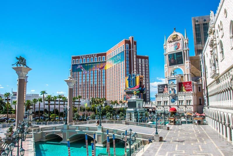在威尼斯式的大运河商店和金银岛、豪华赌博娱乐场和旅馆 免版税库存图片