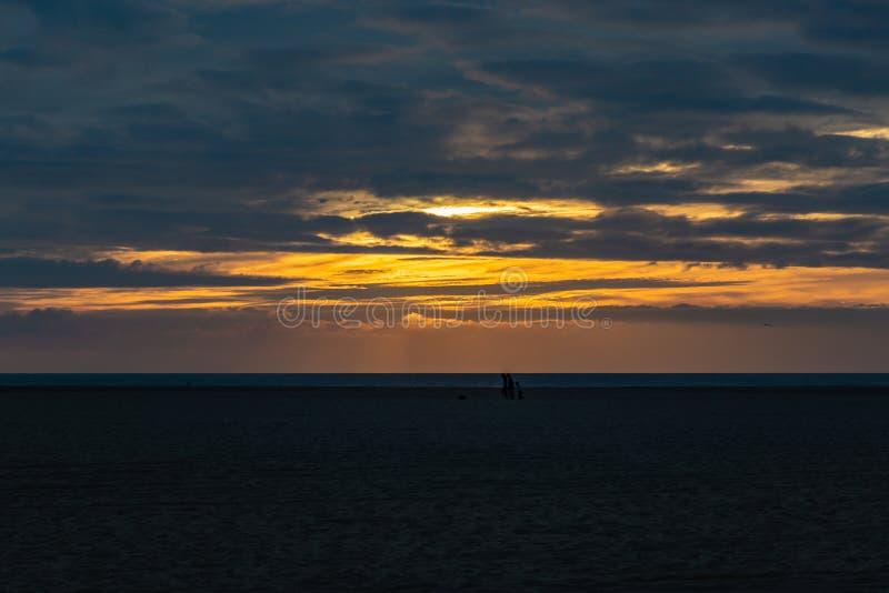 在威尼斯海滩加利福尼亚的日落 免版税图库摄影