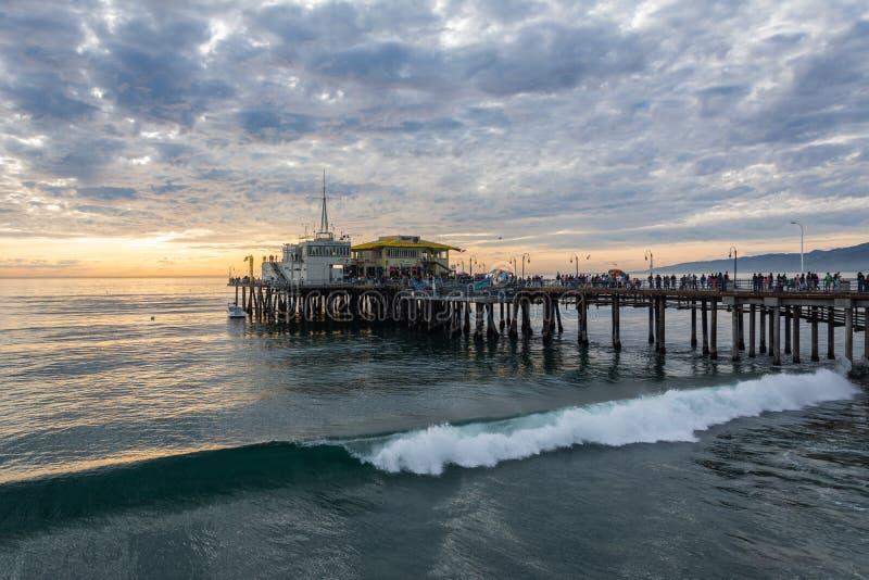 在威尼斯海滩的圣莫尼卡码头在圣莫尼卡,加州 库存照片