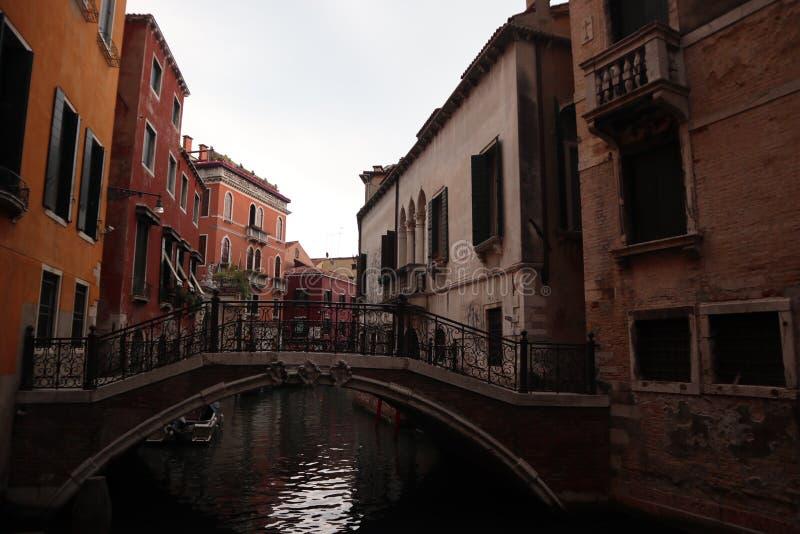 在威尼斯的桥梁 图库摄影