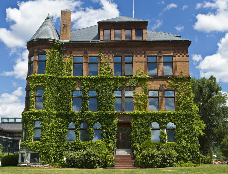在威廉斯学院的常春藤覆盖的大厦