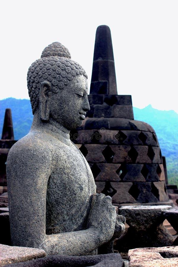 在婆罗浮屠寺庙上面的菩萨  库存照片