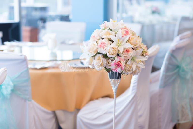 在婚礼的花瓶 免版税库存照片