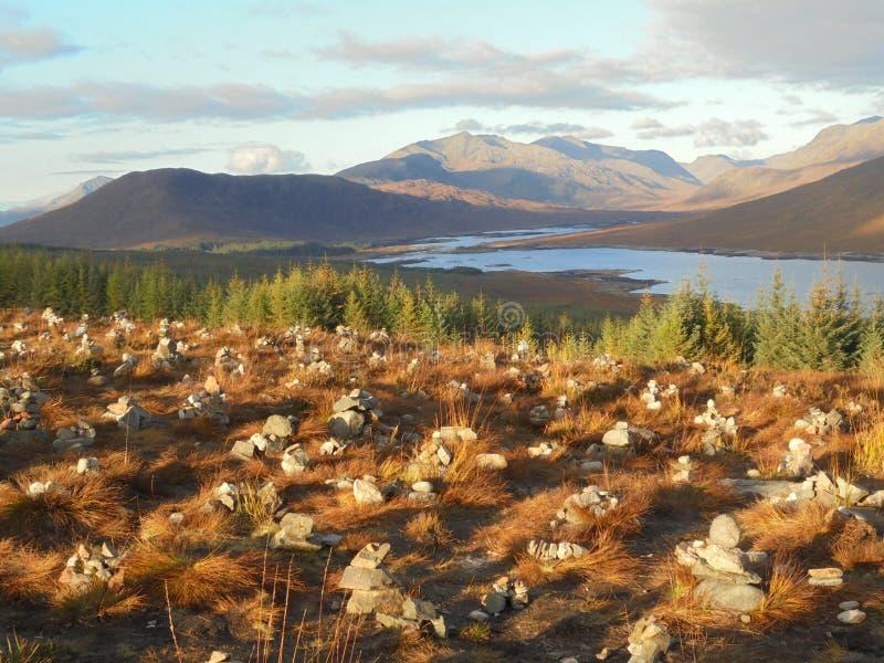 在孤立的海湾,苏格兰的仙境石标 免版税库存照片