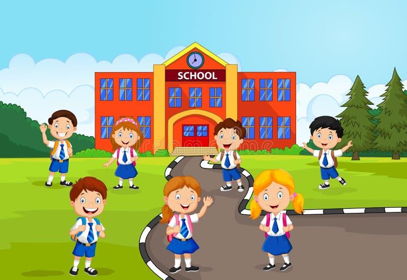 在学校前面的愉快的小学生 皇族释放例证