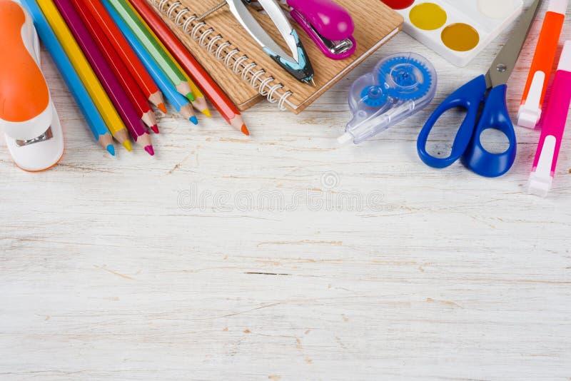 在学校和办公用品上看法与拷贝空间的 免版税图库摄影