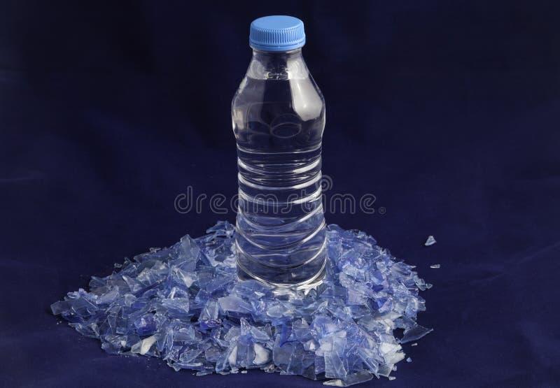 在宠物水瓶外面的被回收的塑料聚合物 库存照片