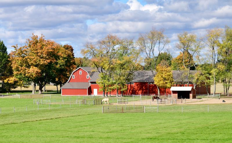 在家庭农场的秋天 免版税库存图片