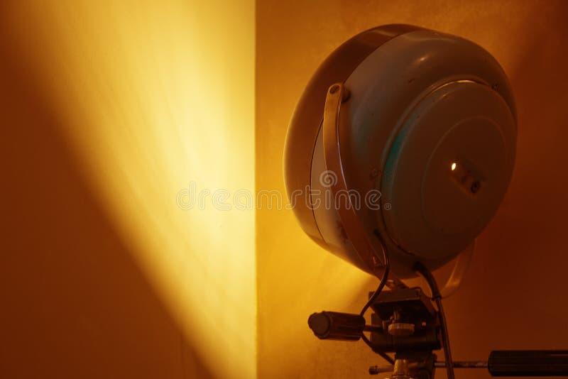 在家庭灯转换的阶段反射器 免版税库存照片