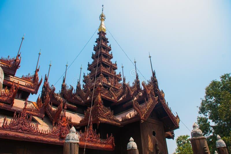 Download 在容器Kyaung的Shwe是木柚木树修道院在曼德勒,缅甸 库存图片 - 图片 包括有 文化, 佛教: 72365479