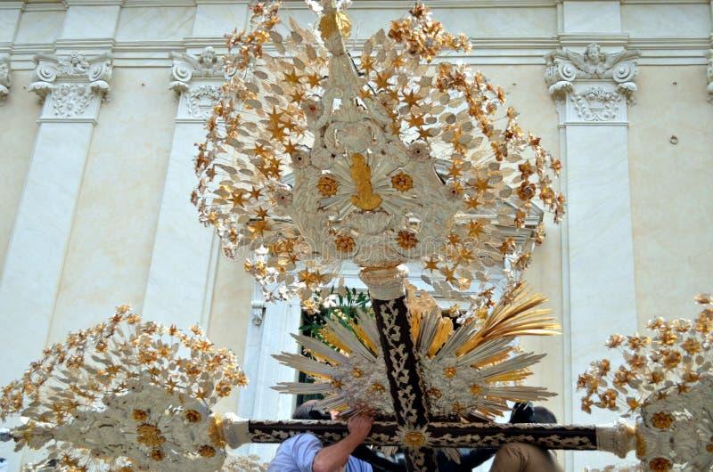 在宽容庆祝的装饰的耶稣受难象的圣母玛丽亚 免版税库存图片