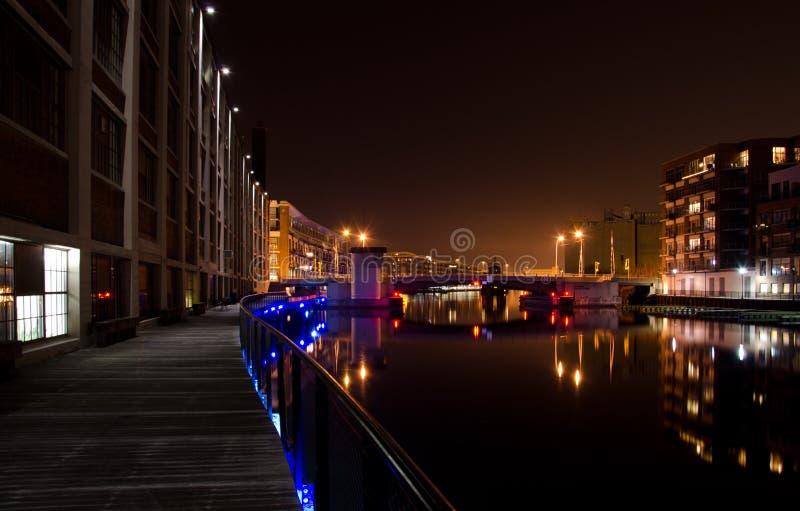在密尔沃基河的夜间 库存图片